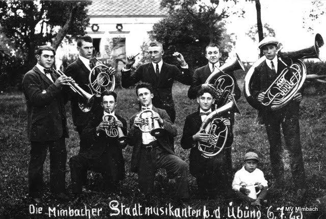 Die Mimbacher Stadtmusikanten bei der Übung, 06.07.1925