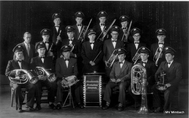 Orchester 1956:u.a. Otto Ringle, kl. Trommel,Gerhard Hussong, Klarinette,K.H. Linn sen., Horn,Horst Regitz, Posaune,Fritz Carbon, Tuba,Albert Nehlig, Trompete,Edmund Schwarz, Tenorhorn(Quelle: Unbekannt, Hinweise erbeten)