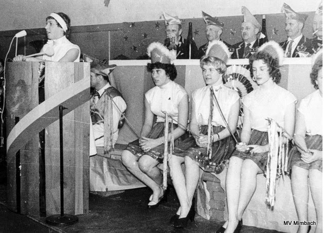 Karneval in Mimbach 1959 mit Frauenpower: (v.l.):Gerda Scheurer, verh. Thönes,Marliese Hussong, verh. Körner, Marlene Süters verh. Regitz, ? (Quelle: Unbekannt, Hinweise erbeten)