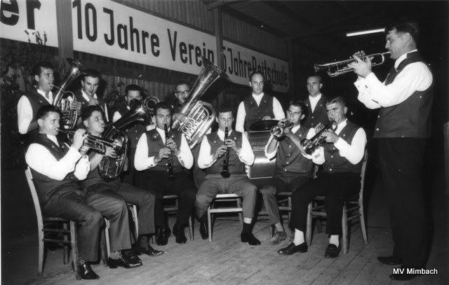 Mimbacher Musiker 1962:u.a. Walter Moschel, Edmund Schwarz, K.H. Linn, Gerhard Hussong, Ltg. Albert Nehlig(Quelle: Unbekannt, Hinweise erbeten)